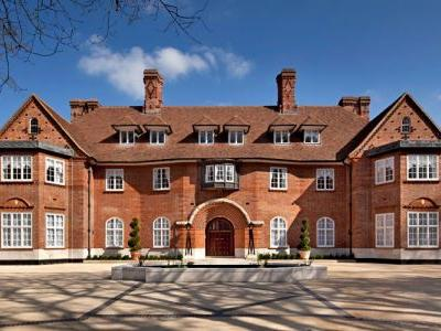 Inside London's Billionaires Row: Heath Hall, the mansion-for-hire that Justin Bieber rented for $140,000 a month