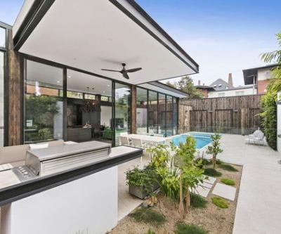 St Kilda Extension / Finnis Architects