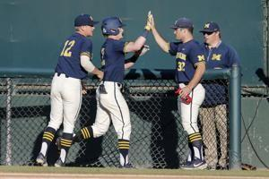 Michigan advances to CWS with 4-2 upset of top-seeded UCLA