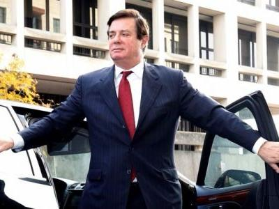 Mueller gets another witness to flip, charges pile up on Manafort, and Democrats release their memo - here's the latest in the Russia investigation