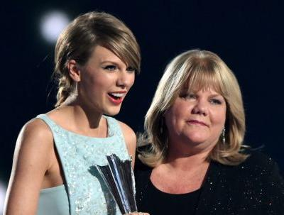 Taylor Swift's Comments About Her Mom's Cancer Returning Are So, So Real