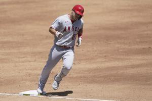 Baby Trout: Angels' Mike, Jessica Trout welcome first child