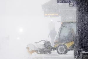 Storm blasts central US with snow, ice and wind, killing 3