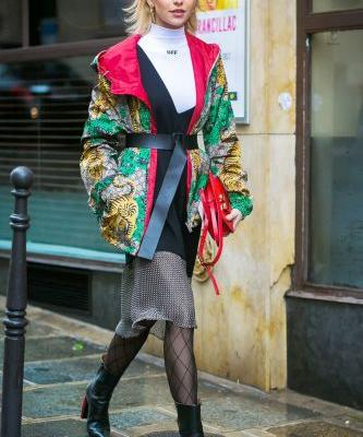 These Instantly Flattering Outfits Involve Just One Key Accessory