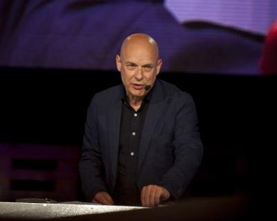 Brian Eno & Roger Waters Respond To Nick Cave's Press Conference About BDS Movement