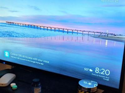 Google begins putting Home voice control tips on Chromecast backdrop