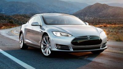 Tesla crash rates fell 40% after Autopilot's Autosteer feature was installed, officials find