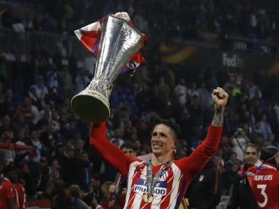 Fernando Torres captains Atletico Madrid in farewell match