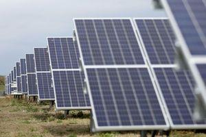 Trade board urges tariffs, quotas on solar imports