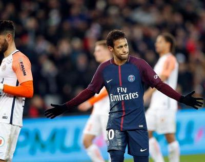 Cavani scores to become PSG's all-time top scorer with 157