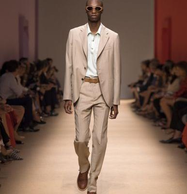 Slick Suiting for a Laid-back Look