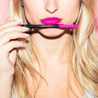 How You Should Apply Lip Liner