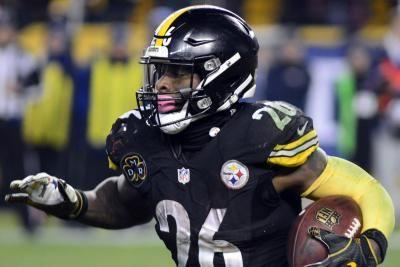Steelers RB Bell plans to skip training camp