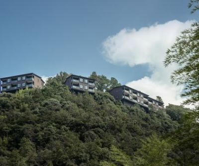 Naked Castle / Shanghai Tianhua Architectural Design