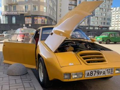Collecting the Bizarre Homemade Cars of Russia's Soviet Past