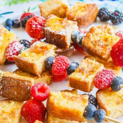 POUND CAKE FRENCH TOAST SKEWERS
