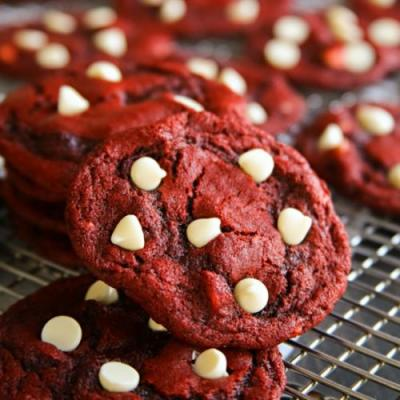 Red Velvet White Chocolate Chip Coo