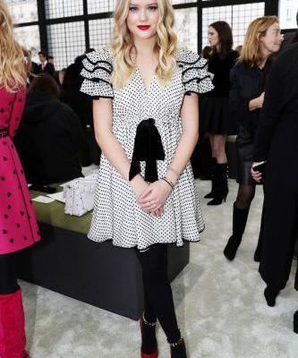 Reese Witherspoon's Daughter Looks So Chic in the Front Row in Paris