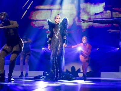 Natalie Portman's Glam-Pop Superstar Costumes in 'Vox Lux' Don't Actually Reference Any Existing Celebrity
