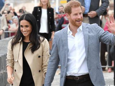 Meghan Markle Wore a Thing: Black Club Monaco Dress in Australia Edition