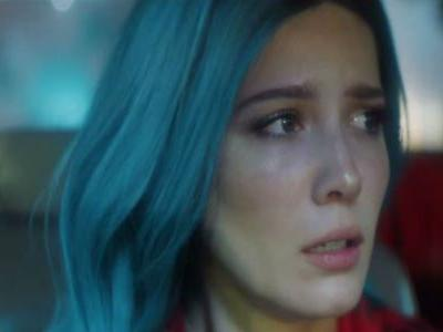 Watch Halsey Get Emotional In Concert After Break-Up With G-Eazy