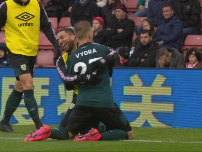Vydra gives Burnley a second lead v. Southampton