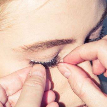 Your False Eyelashes Might Have Come from North Korea