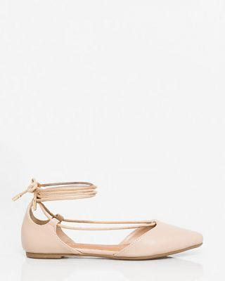 20 Pretty Flats That Are Totally Wedding-Worthy