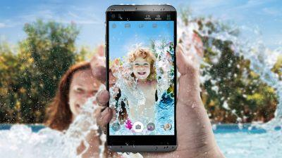 LG Q8 is the smaller, waterproof LG V20 you really wanted