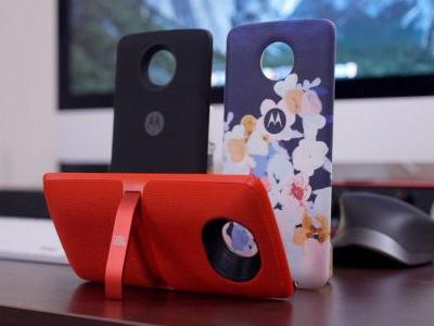 Motorola says it isn't done with Moto Mods, will continue for the 'foreseeable future'