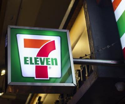 7-Eleven's $1 Coffee Deal For December 2019 Includes The New Gingerbread Latte