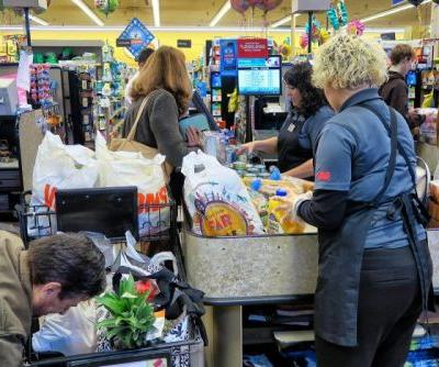 The Pandemic Isn't Easing Up, but Frontline Food Workers Are Already Losing Bonus Pay