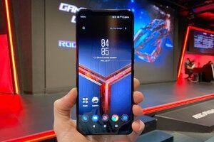 Asus ROG Phone 2 is a ridiculously powerful Android phone with Snapdragon 855 Plus and air cooling