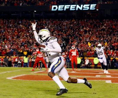 Chargers' gutsy 2-point play throws AFC West into chaos