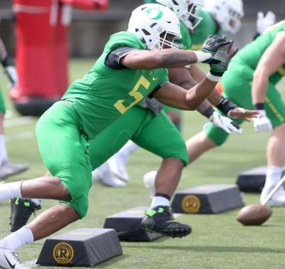 Hear from Kayvon Thibodeaux on his first spring game, Oregon Ducks' recruiting approach