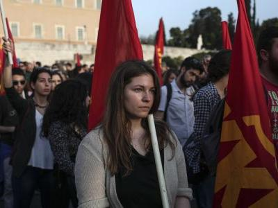 Thousands protest in Athens against US-led Syria airstrikes