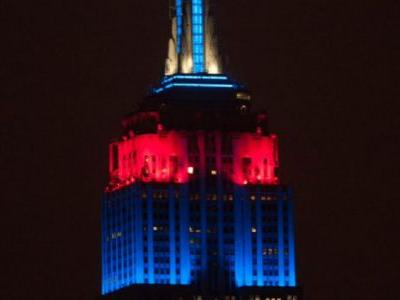 Empire State Building slaps New Yorkers in face, shines Patriots, Eagles colors