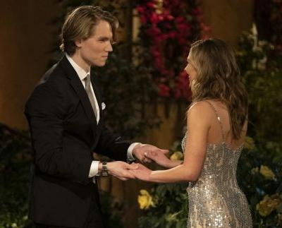 These Tweets About John Paul Jones On 'The Bachelorette' Are So On Point
