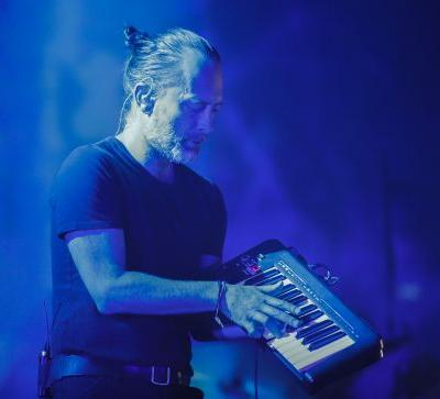 """Watch Radiohead Play """"Blowout"""" For The First Time In 10 Years At Chicago Tour Opener"""