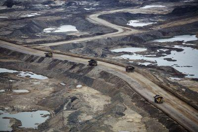 At one end of Trump's revived Keystone XL pipeline, there's a scene you must see to believe