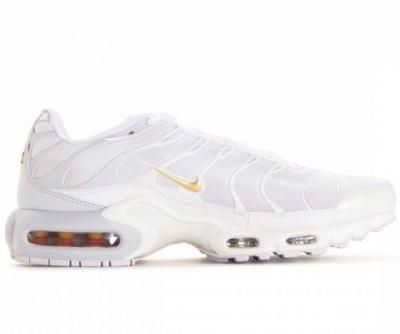 Nike Blends White, Pure Platinum & Gold for New Air Max Plus