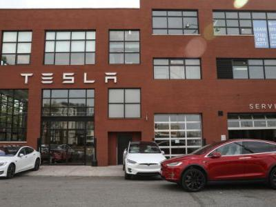 SEC Subpoenas Tesla Over Musk's Take-Private Tweet: Report