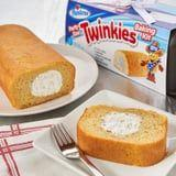 See Ya, Gingerbread! Hostess's Party-Size Twinkies Baking Kit Serves 20 People
