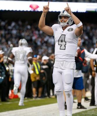 Raiders stun Chiefs with last-second touchdown in frantic finish