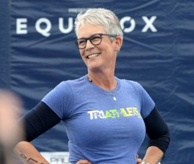 Jamie Lee Curtis to Star In and Produce Funeral Home Comedy