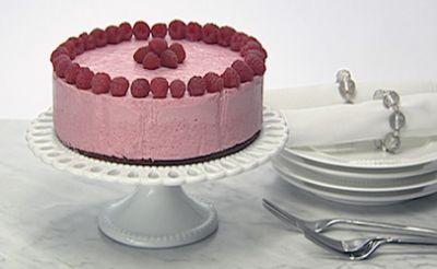 Raspberry mousse cakes recalled in Canada for norovirus