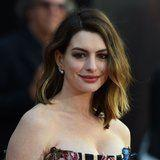 Anne Hathaway Preemptively Warns Fat Shamers That She's Gaining Weight For a New Movie