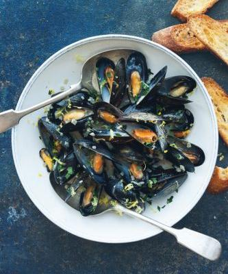 Mussels with Lemon and Ale