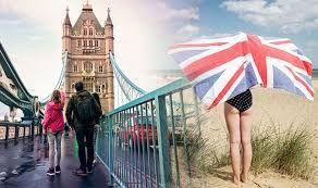 UK tourism and recreation sector witnesses an outright decline in output