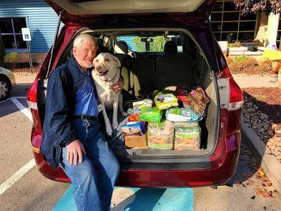 Volunteers Spread Cheer on the Chow Wagon